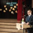 """Eile kuulutati Saaremaa ühisgümnaasiumis vabariiklikuks keeleteoks """"Lapse keelelist arengut toetavad mängud"""". Peaauhinnaga eesti keelele suurimat kasu ja üldist avalikku toetust toonud ning rohket tähelepanu pälvinud teo eest tunnustati Reili Argust […]"""