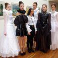 """Kiriklikest kombetalitustest inspireeritud rõivakollektsioon tõi Saaremaa ühisgümnaasiumi 10. klassi õpilasele Victoria Käeselile Paides toimunud noorte moekonkursil MoeP.A.R.K. 2014 esikoha. """"Liturgia"""" nime kandnud kollektsioon võidutses vanemas vanuserühmas, kus oma loomingut näitasid […]"""