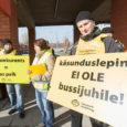 Kuressaare bussijaama ooteplatvormil toimunud piketile kogunes eile hommikul 14 GoBusi Saaremaa bussijuhti, toetamaks Tartus toimunud AS-i GoBus ja OÜ Tarbus palgaläbirääkimisi. GoBusi ametühingusse kuuluvad juhid nõudsid piketiga vähemalt 3 euro […]