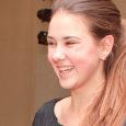Saaremaa ühisgümnaasiumi õpilane Maria Pihlak naasis Viimsist üleriigiliselt kooliteatrite festivalilt laureaadi- ja parima naisnäitleja tiitliga. 11.–13. aprillini toimunud kooliteatrite festivalil, kus astus üles 17 näitetruppi, esindas Saaremaad ja SÜGi luuleteatrit […]