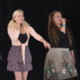 """Täna toimus Saaremaa ühisgümnaasiumis heategevusüritus """"Laulud ja tantsud õpetajatega 2014""""."""