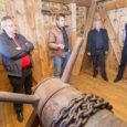 Eile avati pidulikult Kuressaare piiskopilinnuse värava kohal asuv nn noolekoda. See oli üks etapp linnuse 2009. aastal alanud rekonstrueerimisprojektist. Saaremaa muuseumi direktori Endel Püüa sõnul on ettenähtud 11 etapist nüüdseks […]