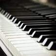"""2015. aasta jääb Orissaare muusikakooli ajalukku kui juubeli-, kolimis- ja kontrabassiaasta. Muusikakool kolis uutesse ja värskelt remonditud ruumidesse. Tähistasime muusikakooli 25. sünnipäeva ja toimus üritus """"Kontsert ümber kontrabassi"""", mille abil […]"""