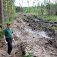 Lümanda vallas Koki küla lähedal metsamaad omava Kaido Vaha sõnul pole metsafirma hoolimata lubadustest tema maale puiduveoga tekitatud rööpaid ära silunud. Oma metsa vaatama läinud Vaha avastas selle aasta jaanuaris, […]