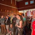 Juu Jääb 2014 avakontsert Rinneradioga toimus reede õhtul hiliste öötundideni välja Kuressaare kuursaalis. Pikemalt juba järgmisel nädalal Saarte Häälest!