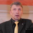 """1. juulist alustab Saaremaa spordikooli direktorina endine Kuressaare linnapea Mati Mäetalu (pildil). Neljapäeval vastas Mäetalu """"Keskpäeva"""" saates Kadi raadio küsimustele. """"Ootan huviga uusi väljakutseid. Ega see valdkond väga võõras ole, […]"""