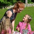 """Läinud reedel säras Tornimäe lasteaia kohal päike ja lasteaia hoovis käis täielik laada- melu. Lasteaed koos hoolekoguga korraldas lasteaia mänguala turvalisuse tõstmiseks heategevusliku suvelaada. """"Laada üks eesmärke oli korjata raha, […]"""