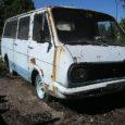 """Mustjala vallavalitsus on korduvalt üritanud müüa RAF-bussi, nüüdseks on selle hind 200 eurot. Retrohõngulise, nõukogude ajal Riias toodetud mikrobussi """"sünniaasta"""" on vallavanem Kalle Kolteri sõnul 1985. Elulugu on bussil üsna […]"""