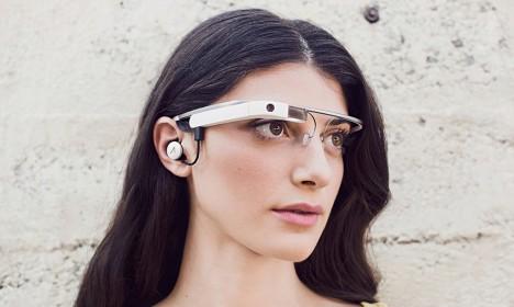 LÄKS TÄKKE: Veerand sajandit tagasi ennustasid asjatundjad, et 2014. aastal on inimeste käsutuses liitreaalsusega prillid, mille abil reaalne keskkond kombineeritakse virtuaalsega, rikastades tegelikkust andurite kaudu saadud teabega. See prognoos on nüüdseks täitunud. Foto: Internet