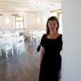 """Kärla valda Kandla külla on kerkinud valge ja helge ilmega restoran. Tegemist on Roosi talu Lambarestoga, mis õigupoolest ongi esimene lambarestoran Saaremaal. """"Lambaresto pakub võimaluse tagakintsu ja karree kõrval mekkida […]"""