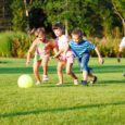 Möödunud nädalavahetusel oli Torgu koolimaja taas lapsi täis, sest Saaremaa lasterikkad pered pidasid maha ühe vahva suvelaagri. Laagri avamisele oli kokku tulnud 24 paljulapselist peret. Torgu koolimaja lipuvardasse heisati laagrilipp […]