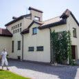 Kahe aasta eest kirjutasime, et Kuressaare kesklinnas müüakse eramut, mille hinnaklass on siinkandis ainulaadne. Luksusliku elumaja hind oli ligi 600000 eurot. Praegu saab eramu kätte pea poole võrra odavamalt. Nimelt […]