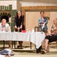 """Kuressaare linnateatri sellesuvine Sadamaaidas alles sel nädalal esmakordselt publiku ette jõudnud kriminaallugu """"Testamenditäitjad"""" on osutunud teatrisõprade seas tõeliselt populaarseks. Kui veel üleeile oli võimalik augustikuu etendustele pileteid osta, siis eilse […]"""