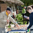 Laupäeval, mil erinevaid laatasid oli üle maakonna mitmeid, võeti kätte ja peeti Mihklipäeva auks laata ka Vikil Mihkli talumuuseumis. Huvilistele toimus ka väliseminar puisniitudest. Fotod: Irina Mägi