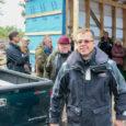 Eile ennelõunal võtsid ehitusmehed Vilsandi Krati pesalt pärja maha. Ametlikus keelepruugis tee-ehituse ja maastikuhoolduse tehnika hoiustamise abihoone ehitustööd olid jõudnud etappi, mis lubas sarikapidu pidada. Mullu oktoobris nimetati Vilsandi aasta […]
