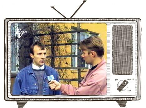 PÄEVAKAJALINE: Reporter Mehis Tulgile annab aru Saaremaa suhkrupeedi kasvatajate ühistu esindaja Andrus Kandima. Nüüd on Kandimast saanud Leisi volikogu esimees.