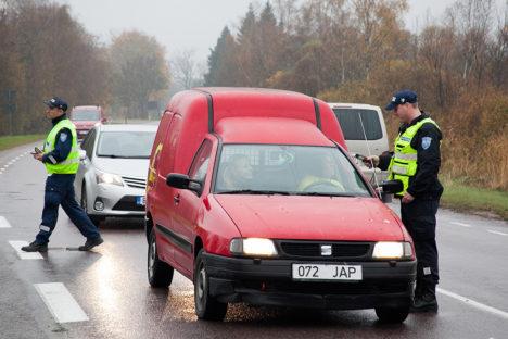 LIIKLUS OHUTUKS! 21. novembril peetavad liiklustalgud on üle-eestilised ja neist võtavad osa kõikide prefektuuride politseinikud ja vabatahtlikud. Foto: Irina Mägi