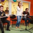 """Orissaare avatud noortekeskuses avati eile pidulikult Kuke-nimeline helistuudio. Sander Kukk on pealinnas elav mees, kelle eestvedamisel koguti salvestusstuudio tarbeks veidi üle kolme tuhande euro. """"Sellisest asjast ei julgenud esialgu unistadagi,"""" […]"""