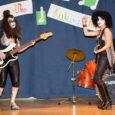 Täna toimus Leisi keskkoolis galavisioon ehk jäljendusvaadend, kus pidi tuntud artistevõi muusikavideosid jäljendama. Fotod: Irina Mägi