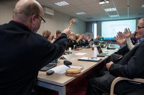 POOLT: Uus volikogu on Urmas Lehtsalu juhtimisel üles näidanud üksmeelt. Foto: Raul Vinni