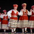 Laupäeval tähistas memmede rahvatantsuansambel Eideratas 30. sünnipäeva. Juubelikontsert tõi Kuressaare kultuurikeskuse saali rahvast täis. Lisaks juubilaridele esitasid oma tantsusid sünnipäevale tulnud külalised. Kultuurikeskuse saalis käib Eideratas tantsuproovis kord nädalas teisipäeviti. […]