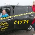 """Eelmise aasta novembrist Kuressaares elektriautodega taksoteenust pakkuv Osilia Takso OÜ otsib kolme taksojuhti ja ühte operatiivkorraldajat. Osilia Takso kaasomanik Margit Susi ütleb, et taksojuhilt eeldatakse ausust, kohusetundlikkust ja kliendisõbralikkust. """"Oluline […]"""