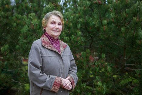 KIHELKONNA AUKODANIK: Endine kooliõpetaja ja aktiivne taidleja Erna Tamkivi on neljas Kihelkonna valla elanik, kes aukodaniku tiitli pälvinud. Foto: Tambet Allik