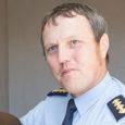"""Tänavu on politsei külastanud Saaremaa koole, et koos kooli personaliga arutada koolide turvalisust ning kuidas valmistuda võimalikeks ohuolukordadeks. """"Anname käitumissoovitusi, mida õpetajad peaksid tegema, kuidas informeerima, ja see on kooliti […]"""