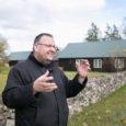 """Saaremaa väikepõllumehed näitasid üles märkimisväärset aktiivsust väiketootjatele pakutava põllumajandusettevõtete arendamise toetuse taotlemisel. Uue maaelu arengukava 2014–2020 meetme """"Väikeste põllumajandusettevõtete arendamise toetus"""" esimeses taotlusvoorus küsis Saare maakonnast toetust 66 tootjat kokku […]"""