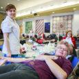 """Põhja-Eesti Verekeskus kogus kahe päevaga Kuressaare kultuurikeskuses doonoritelt üle 80 liitri verd. Kolmapäeval koguti 109 doosi ehk ligi 49 liitrit verd, eilne """"saak"""" oli 71 doosi ehk peaaegu 32 liitrit […]"""