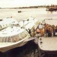 Roomassaare sadama kai peal kasvab üks pihlakas. Räägitakse, et veel mõnikümmend aastat tagasi olla ühe uhke laeva otsad selle puu külge seotud. Sellise valge laeva, mis oli saarlaste jaoks 80-ndatel […]