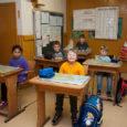 """Vaatamata õpilaste nappusele jätkab Laimjala vallas asuv Kahtla lasteaed-põhikool, nagu Kihelkonna koolgi, tööd üheksaklassilisena. """"Selline on meie kogukonna seisukoht,"""" ütles Laimjala vallavolikogu esimees Aarne Lember. """"Saagu, mis saab, praegu jätkame […]"""