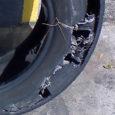 """Neljapäeva hommikul sõitis Valjala vallas Kuivastu–Kuressaare maanteel Võrsnas auto teelt välja. Juhi sõnul purunes sõidukil kas rehv või vedrustus. """"Juhi selgituse kohaselt hakkas sõiduk ühel hetkel teel n-ö vibama ja […]"""