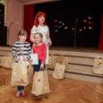 """Saaremaa ühisgümnaasiumis toimus eile ajakirjade Täheke ja Hea Laps e-viktoriini finaalvoor, millest võtsid osa kaheliikmelised võistkonnad kogu Eestist. Nutikamad saarlased said teise klassi õpilaste arvestuses kolmanda koha. """"Kõik osalejad on […]"""