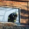 Täna varahommikul kell 5.27 sai häirekeskus teate tulekahjust Kuressaares Nooruse tänaval. Häirekeskusesse helistamise hetkel olid kahekordse eramaja katusest leegid väljas. Helistaja teatel võis majas sees olla ka inimene. Sündmusele saabunud […]