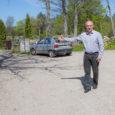 """Kuressaare linnavolinik Toivo Alt ja linnakodanik Tiit Sarapuu tegid ettepaneku kasutada Kuressaare kaasava eelarvekaudu jagatavad 30 000 eurot Kudjape surnuaia uue osa parkla ja sissepääsu korrastamiseks. """"Meie ettepanek on kulutada […]"""
