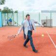 Kolmapäeva pärastlõunalavati Kuressaare tennisekeskuses kolm uut väljakut. Lähemalt loe juba homsest Saarte Häälest! Fotod: Irina Mägi