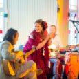 """Hedvig Hanson ja Andre Maaker tutvustasid Kuressaare kuursaalis kontserdiga saarlastele lauljanna uut plaati nimega """"Ilus Elu"""". Fotod: Irina Mägi"""