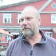 Anni Viskus uuris Kuressaare turul olevatelt inimestelt, miks ja kui tihti käiakse turul ning miks eelistatakse turukaupa poekaubale. Video: Irina Mägi, Mihkel Väin