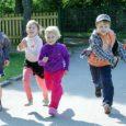 """Aste lasteaed otsib eripedagoog-logopeedi, kuna erivajadustega lapsi on rohkem kui kunagi varem. Lasteaia direktori Maarika Ellermaa sõnul on olukord neile uus. """"Praegu kompamegi seda teemat ja proovime aru saada, mida […]"""