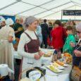 SaareMaaPäevade raames toimus laupäeval Kuressaares südalinnas traditsiooniline suur kohaliku kauba turupäev. Fotod: Irina Mägi