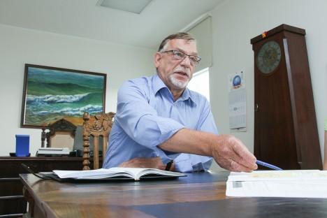TAGAB PARIMA ABI: Viktor Sarapuu kiitis, et Ida-Tallinna keskhaigla on tugev koostööpartner, kelle abil jõuab Saaremaa patsiendini parim erialaspetsialistide pakutav arstiabi.  TAMBET ALLIK