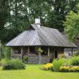 """Kalli külas asunud vanale aidale lammutamise asemel uue elu andnud Kristiina ja Riho Maripuu pälvisid ajakirjalt Maakodu kauneima kõrvalehitise auhinna. """"See kauneima kõrvalehitise tiitel on ilmselge liialdus,"""" arvas Kristiina Maripuu. […]"""