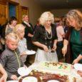 Valjala rahvamaja 65. juubeli puhul anti vägev kontsert ning mekiti üheskoos sünnipäevatorti!