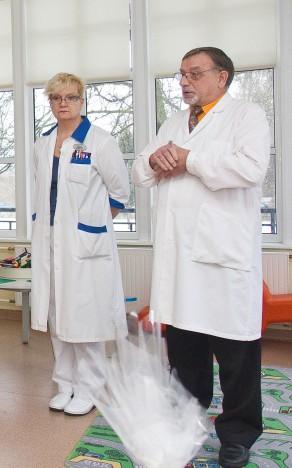 HAIGLAJUHID: Praegu on juhatusel kaks liiget – ravijuht Marje Nelis ja juhatuse esimees Viktor Sarapuu, kelle asemele praegu uut juhatuse liiget valitakse. ARHIIV / SANDER ILVEST