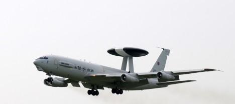 JÄTTIS JUTID: NATO AWACS-tüüpi lennukid on Boeing E-3.  INTERNET