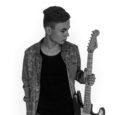 Saaremaa ühisgümnaasiumi 10. klassis õppiv Robin Mäetalu on üleriigilise kitarristide turniiri teises voorus saanud seni enim hääli kuulajatelt. Muusikariistu ja helitehnikat müüva ettevõtte Stanford Music korraldatud turniiri teise vooru jõudis […]