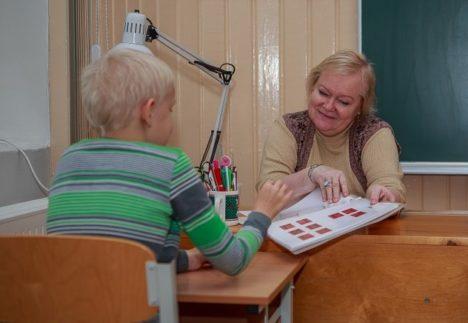 LAST EI TOHI UNUSTADA: Psühholoogi Lia Hanso sõnul tuleb lahutuse korral pöörata õiglast tähelepanu kindlasti ka lastele. TAMBET ALLIK