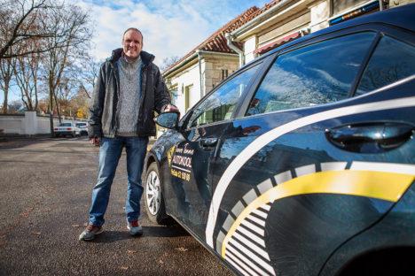 VÕIB RAHUL OLLA KÜLL: Taavo Tennol pole põhjust torisemiseks – tubli on nii autokooli meeskond kui ka õpilased. TAMBET ALLIK