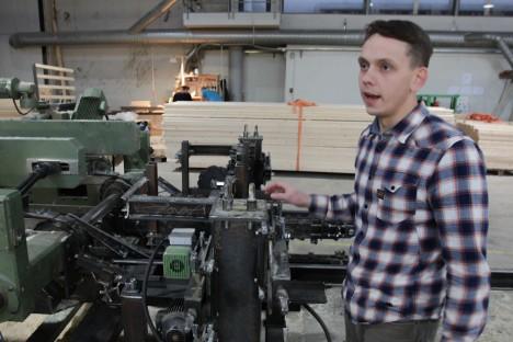 TÖÖ TAHAB TEGEMIST: Marek Vitsa sõnul tuleb mehaanikul hooldada ka selliseid masinaid. RAUL VINNI